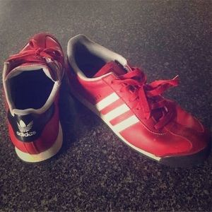 Men's Adidas Samoa size 6.5